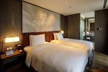 TOTO - DoubleTree by Hilton Taipei Zhongshan