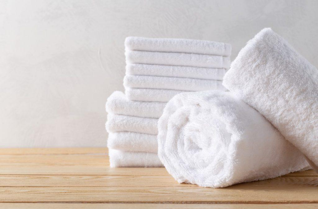 ผ้าเช็ดตัวสีขาว