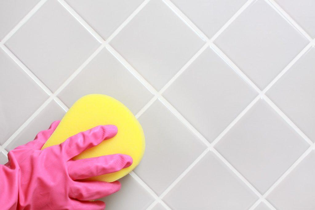 7 วิธีล้างห้องน้ำสกปรกมากให้สะอาดเหมือนใหม่ 3