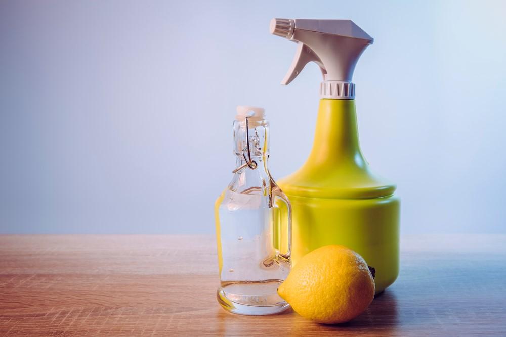 ภาพ: กรดมะนาวสำหรับทำความสะอาดอ่างล้างหน้า